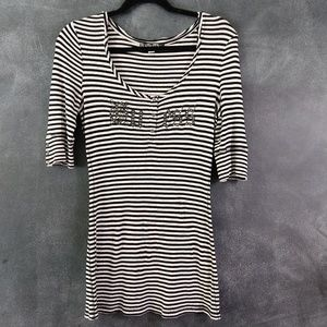 GUESS | Spell-Out Striped Henley Tunic T-shirt XL